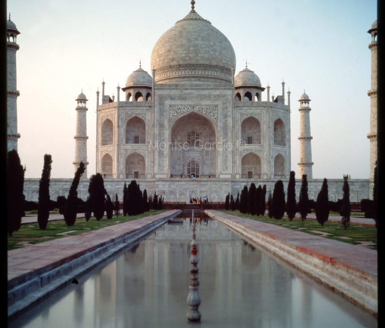 Taj Majal, postcards from around the world
